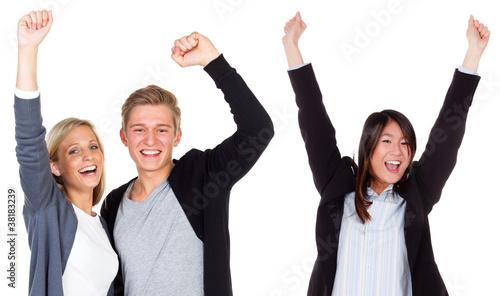 glücklich jubelnde studenten - 38183239