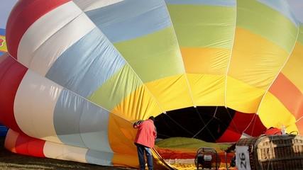 preparazione di una mongolfiera