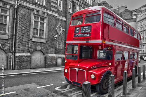 Aluminium Rood, zwart, wit Bus rouge typique - Londres (UK)