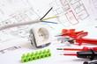 Leinwanddruck Bild - Plan und Werkzeuge für Elektriker
