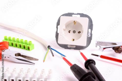 werkzeug f r elektriker stockfotos und lizenzfreie bilder auf bild 38227406. Black Bedroom Furniture Sets. Home Design Ideas
