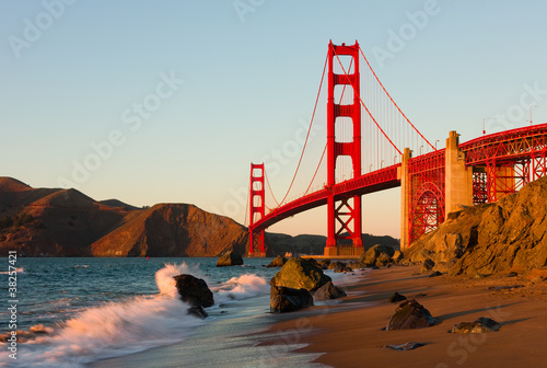 Aluminium San Francisco Golden Gate Bridge in San Francisco at sunset