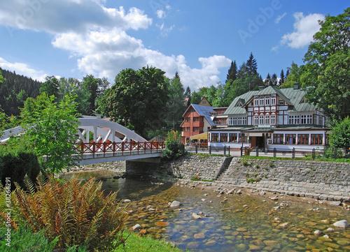 das bekannte Spindlermühle im tschechischen Riesengebirge - 38266291