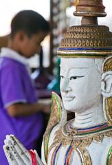Thailand Gebet im Tempel