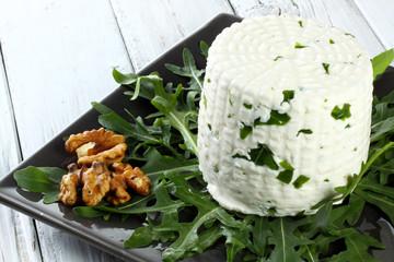 formaggio caprino con rucola