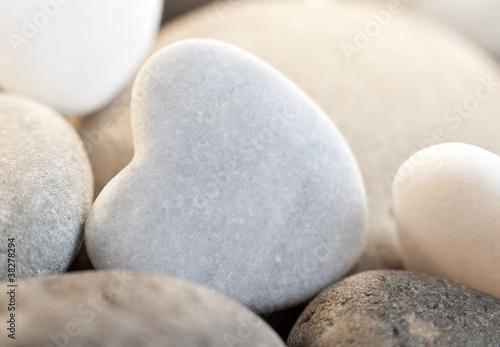galets zen harmonieux coeur © auryndrikson