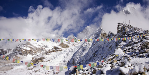 kala patthar summit at the right sagarmatha