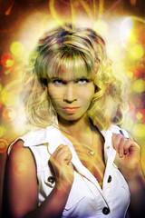 schöne Frau im Disco licht