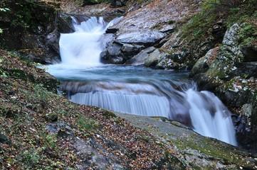 秋の西沢渓谷 三重の滝