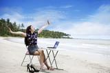 Fototapety Happy businesswoman working outdoor