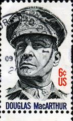 Douglas MacArthur. 1880-1964. US Postage.