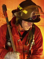 Bombero trabajando en un incendio.