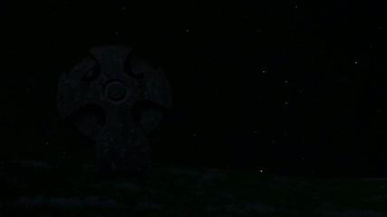 Kreuz mit Sternenzeitraffer