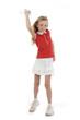 fillette jouant avec console de jeu sport