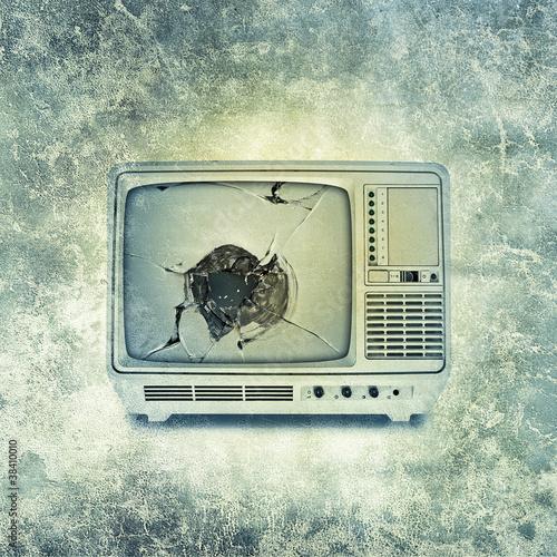 broken tv print
