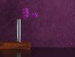 Wohndesign - Vasen auf Tisch lila