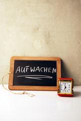 Zeitmesser Wecker mit Tafel