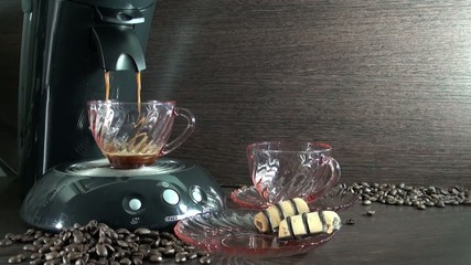 Preparation of fresh coffee in a coffee maker