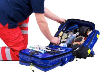 Arzt mit Rettungsrucksack