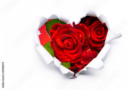 Fototapety, obrazy : Art bouquet of red roses and the paper hearts on Valentine's Day