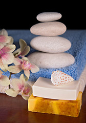 Spa accessories with stone pyramid