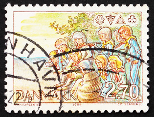 Postage stamp Denmark 1984 Scouts around Campfire