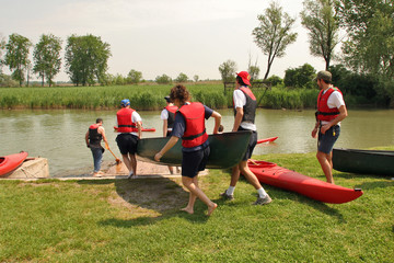 Alaggio canoa
