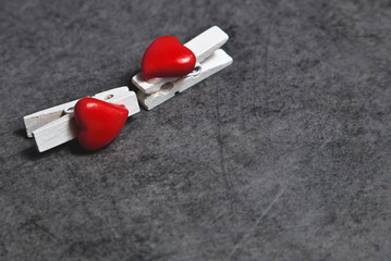 valentine's day kissing clamps