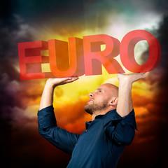 Mann wird von Euro-Krise erdrückt
