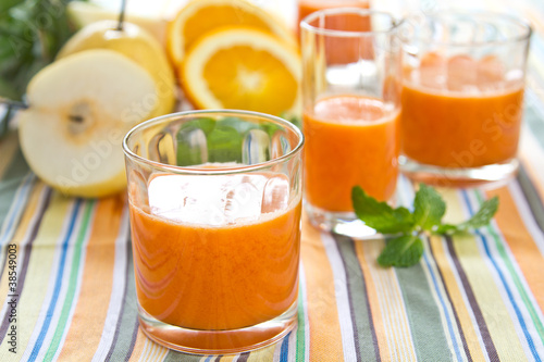 Pear,carrot and orange smoothie