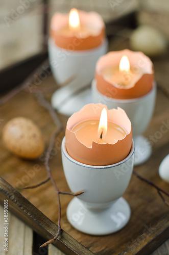 Eierschalen als Kerzen