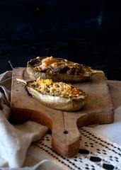 Melanzane bianche ripiene di quinoa, tofu e pomodorini gialli