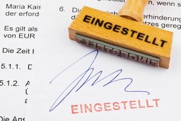 Holzstempel auf Dokument: eingestellt