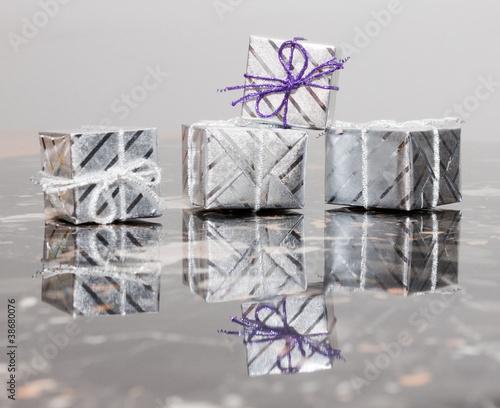 Foto kleine geschenke schön verpackt