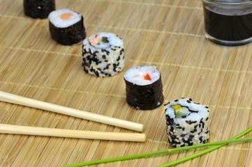 Sushi Essen Röllchen