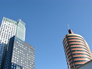 Skyscrapers opposite a blue sky in Rotterdam