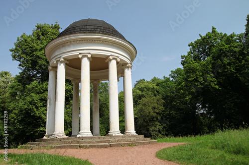 Leinwanddruck Bild kaiserlicher Pavillion im Georgenpark (Dessau-Germany)
