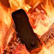 Kohle Brikett im Feuer