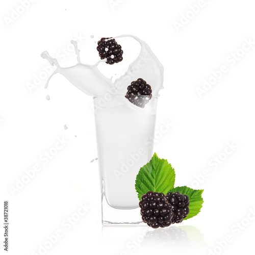 Blackberries milk shake