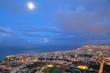 Saint-Denis un soir de pleine lune, La Réunion.