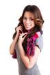 junge brünette Frau mit Schal