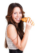 junge Frau mit Croissant