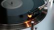 Plattenspieler im Betrieb mit Vinyl