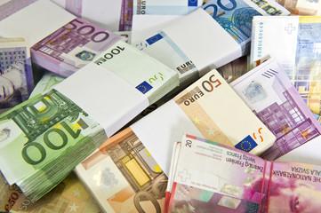 Geldhaufen-Währungen