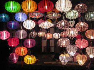 Lampen, Laternen, Lampions, Asien
