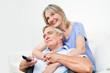 Senioren schauen gemeinsam fern