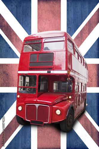 Fototapeta samoprzylepna Bus rouge londonien, fond Union Jack