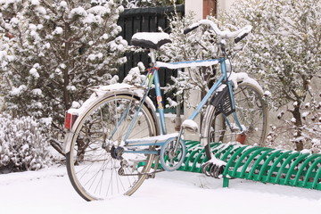 Bicicletta sotto la neve - Bicycle under the snow