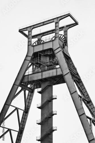Bergwerk Bochum (schwarz-weiß )
