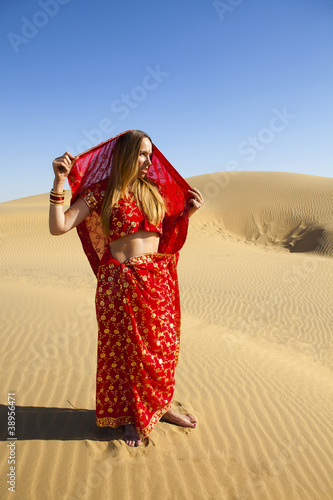 Young women wearing a saree, Thar Desert